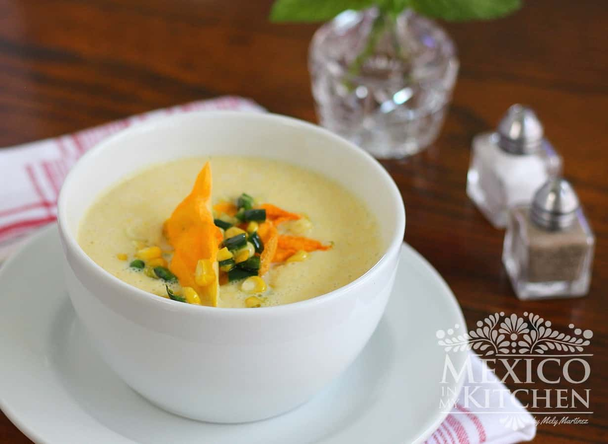 Creamy corn soup, this delicious recipe can be made using fresh or frozen corn kernels.