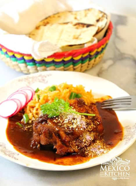 Easy Chicken in Mole Sauce | Mexican Recipes