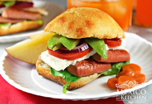 Mexican Sausage Sandwich | Instructions step by step, quick and easy