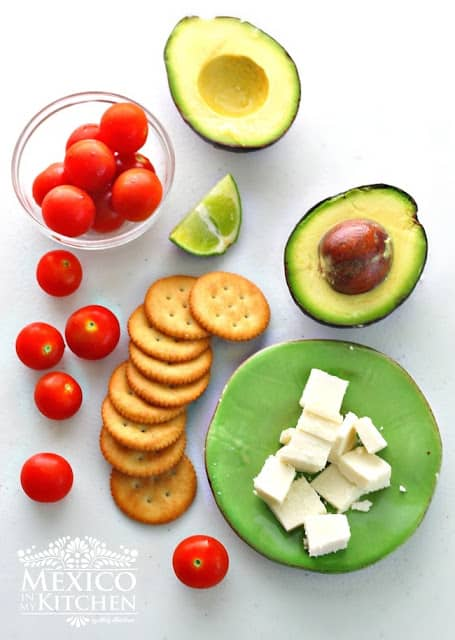 Crackers and cheese | Ingredients