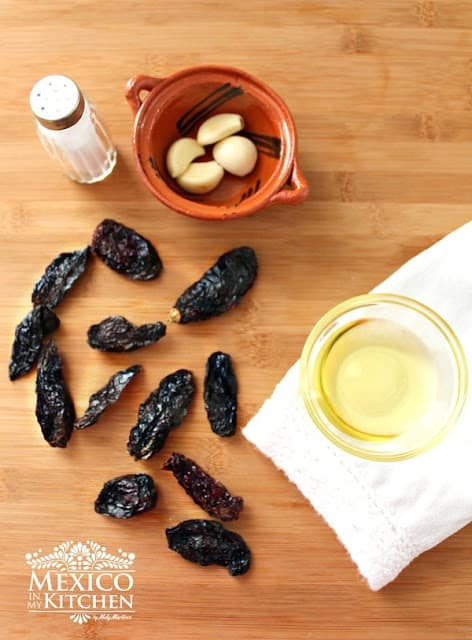 Chile Morita Salsa with Oil recipe | ingredients