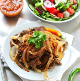 Bistec Encebollado – Steak and Onions