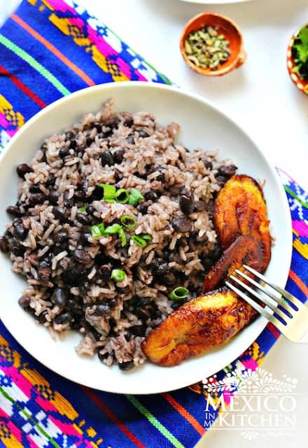 moros y cristianos | black beans and rice recipe