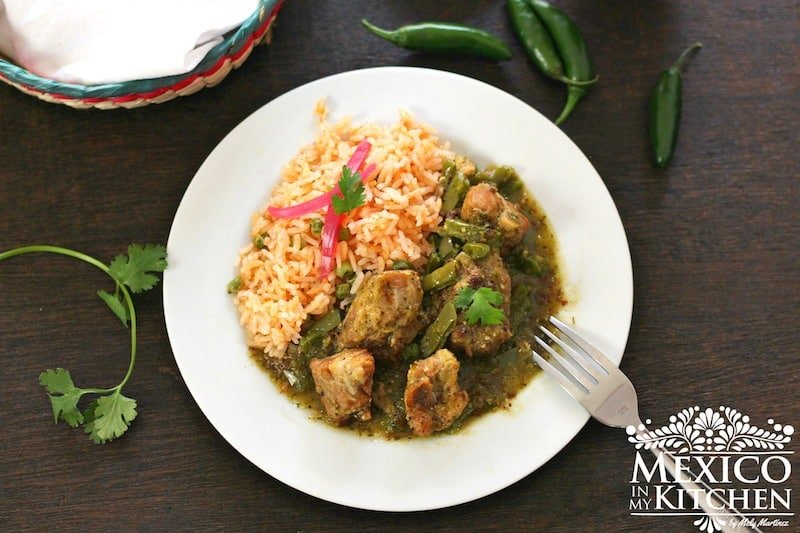 Pork spare ribs with nopales in salsa verde