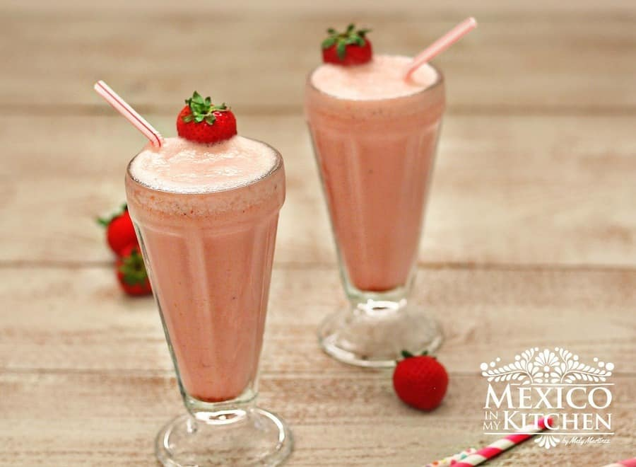 Strawberry Banana Yogurt mexican smoothie
