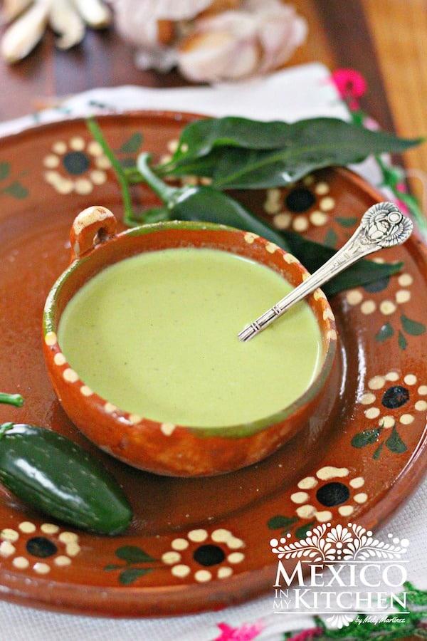 Creamy jalapeño salsa recipe