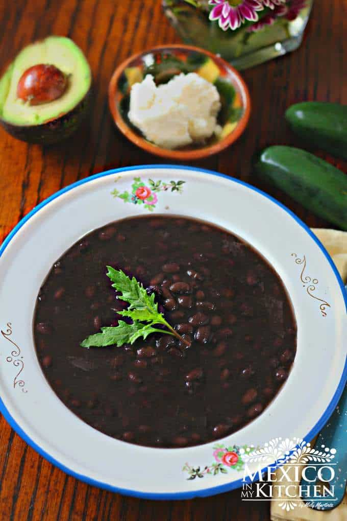 Instant pot Black beans, Mexican style beans cooked in a faster way without the need to soak overnight the beans.