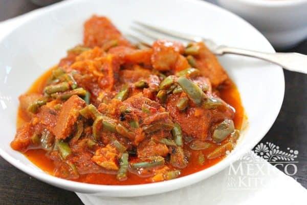 Chicharron en salsa roja pork cracklings
