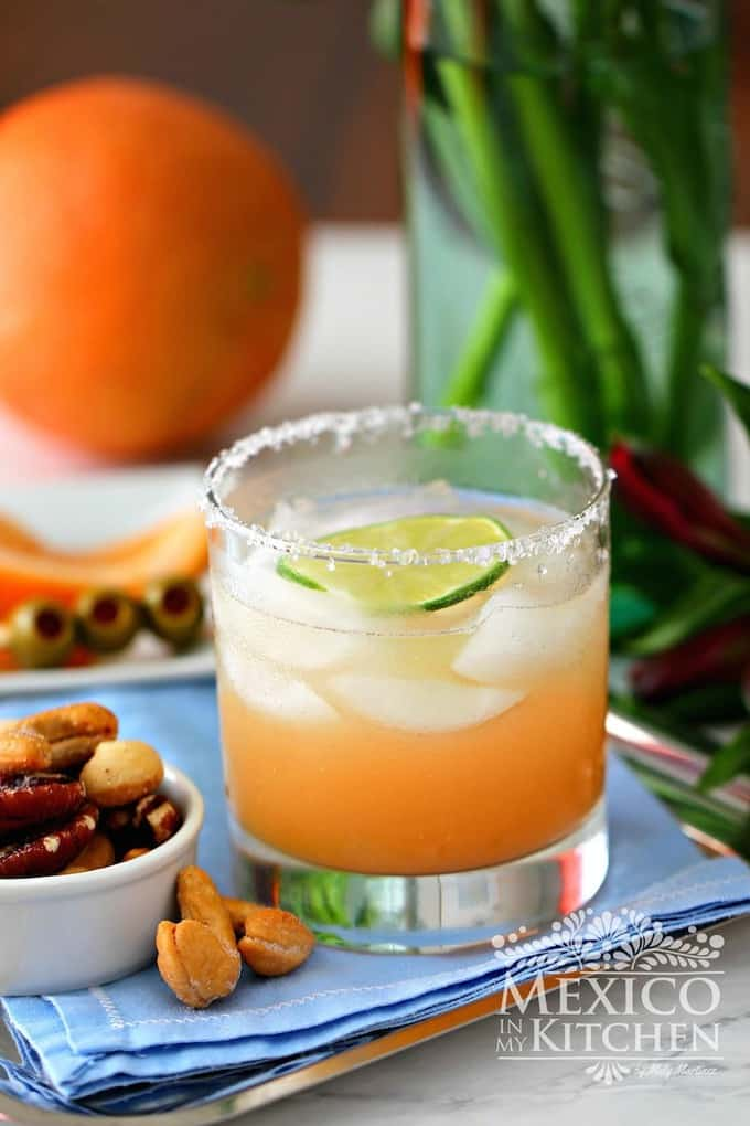 Paloma Cocktail Recipe |A quick & easy Mexican Tequila cocktail with Grapefruit is a crowd pleaser.