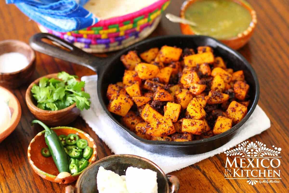 Papas con chorizo - potatoes recipe - Mexican breakfast recipe