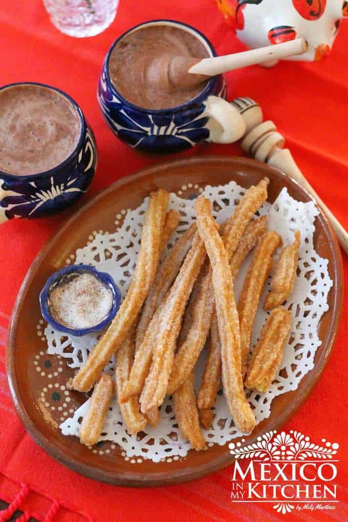 churros mexicanos with cinnamon sugar