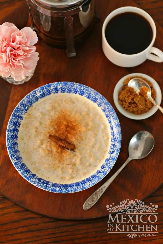 Oatmeal with milk and Old fashion recipe- Mexican Creamy avena - Mexican recipes