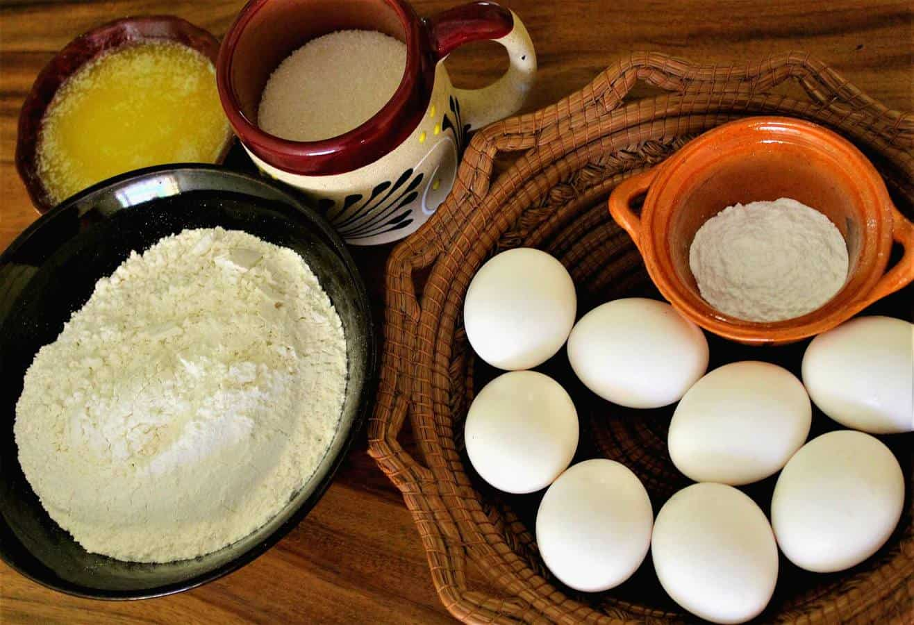 chimbo bread recipe ingredients eggs, flour, butter.