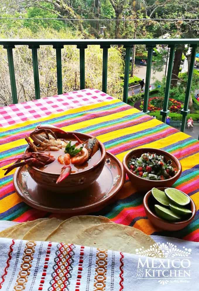 seafood soup recipe - caldo de mariscos - 4